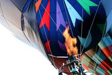 Hot Air Balloon - Firing The B...