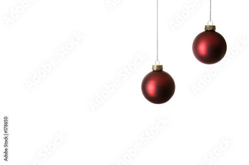 Rote Christbaumkugeln.Zwei Rote Christbaumkugeln Freigestellt Buy This Stock