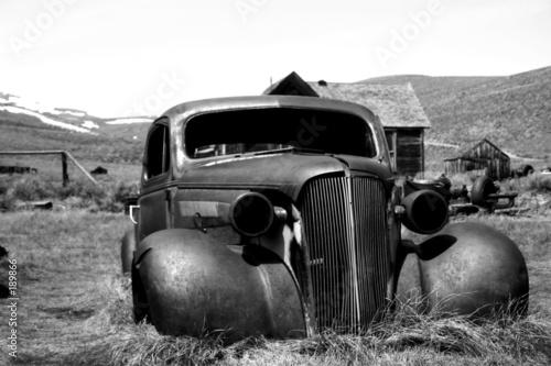 Photo rust bucket