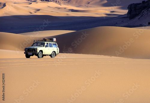 La pose en embrasure Algérie perdu dans les dunes