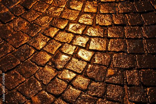 Photo wet cobblestones