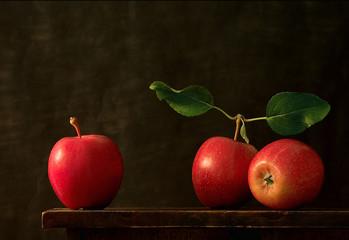 Fototapeta Do jadalni three apples