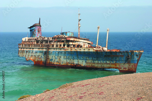 Photo Stands Shipwreck american star