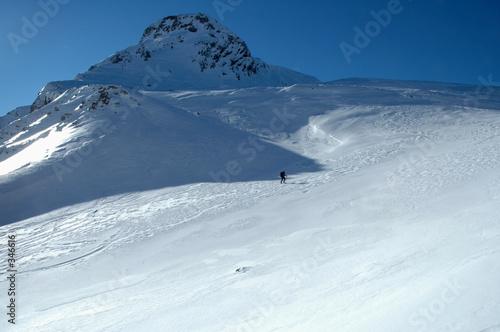 Fotografie, Obraz  seul face à la montagne - pn 71x59