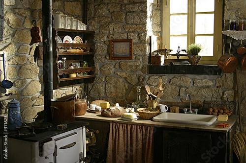 ancienne cuisine – kaufen Sie dieses Foto und finden Sie ähnliche ...