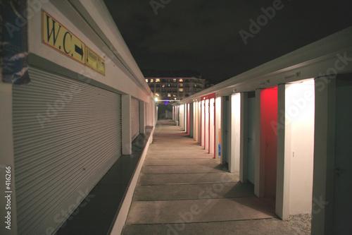 Keuken foto achterwand Treinstation passage for swimming pool cabin