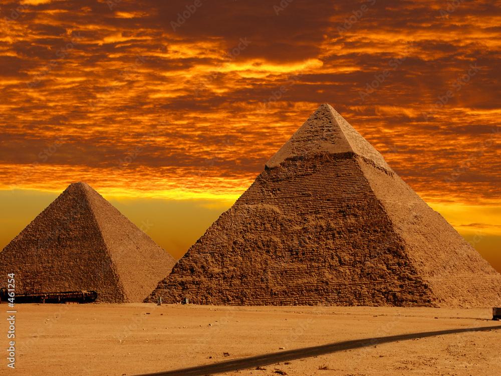 Leinwandbild Motiv - Windowseat : dramatic pyramids