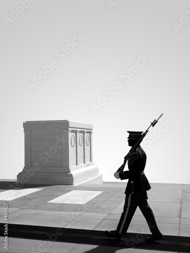 Photo tomb of the unknown soldier, arlington national cemetery