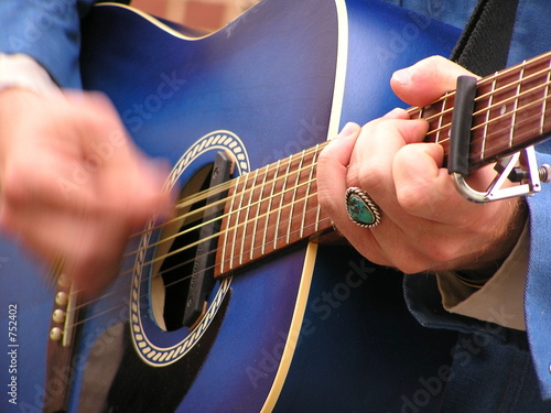 Fotografie, Tablou furious guitar strumming