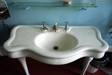 Antique Washbasin