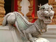 Statue Dans Un Temple, Thailande