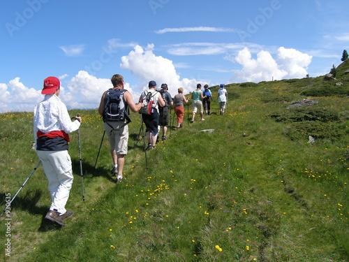 Foto  wanderer im hochgebirge