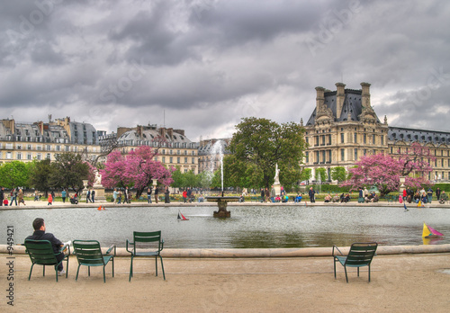 Photographie  fountain in tuileries gardens, paris, france