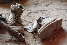 Alte Schuhe Im Sand