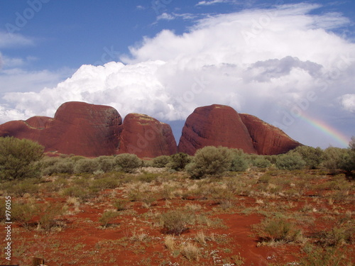 Photo Stands Australia regenbogen bei den olgas (katatjuta)