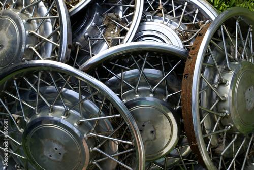 Fotografie, Obraz  old hubcaps