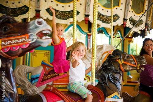 Fotografie, Obraz  kids on a carousel