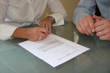 Vertragsunterzeichnung 3