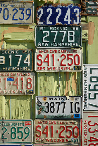 Staande foto Vintage Poster antique license plates