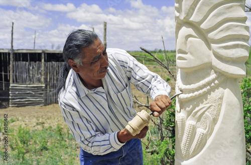 Fotografie, Obraz  native american sculptor at work ii