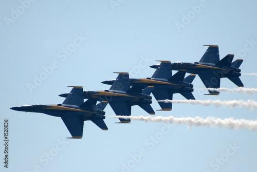 Valokuva  navy blue angels in flight