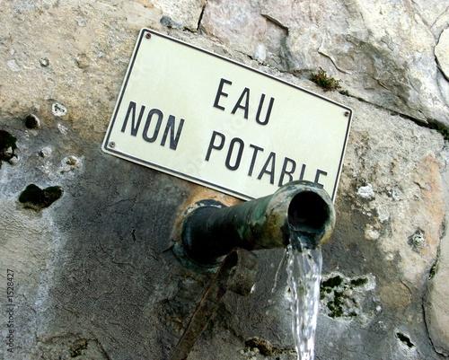 Valokuva  eau non potable