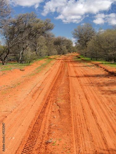 Valokuva red sandy track