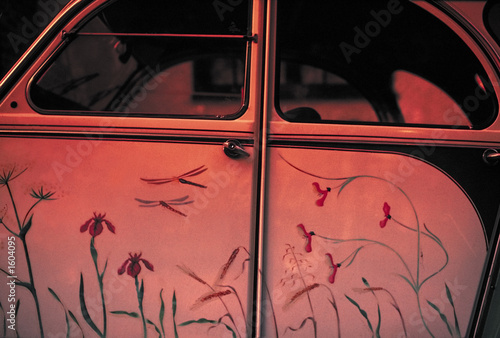 Photo  citroen 2cv painted with flowers