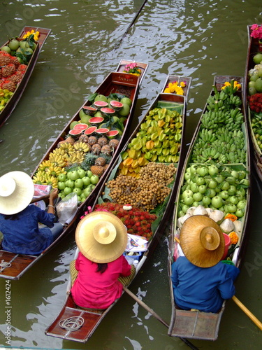 obraz dibond floating market in bangkok