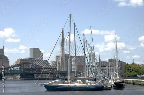 Photo  sailing boats and zakim bridge