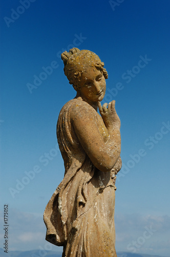 Photo statue in bantry house ireland
