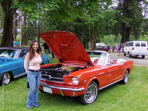Photo  red hot mustang