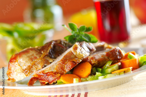 Papiers peints Nourriture baked pork meat with vegetables