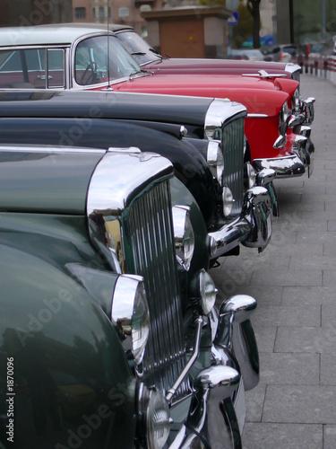 Poster Rouge, noir, blanc vintage cars bonnets line