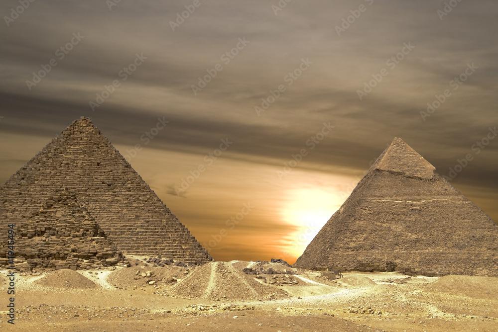 Leinwandbild Motiv - Windowseat : pyramids sunset drama