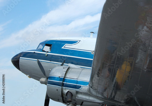 Photo  classic vintage airliner