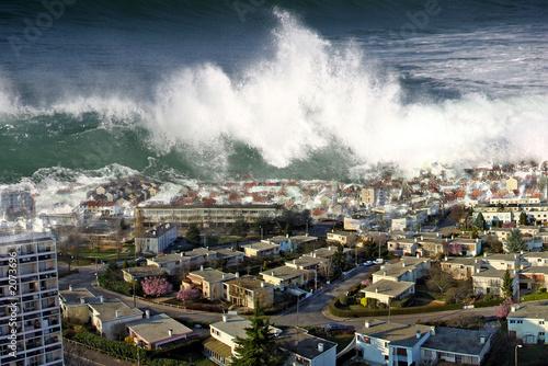 raz de marée sur la ville Canvas Print