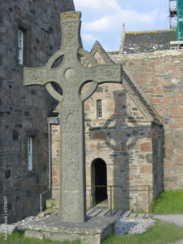 Tablou Canvas celtic cross and iona abbey