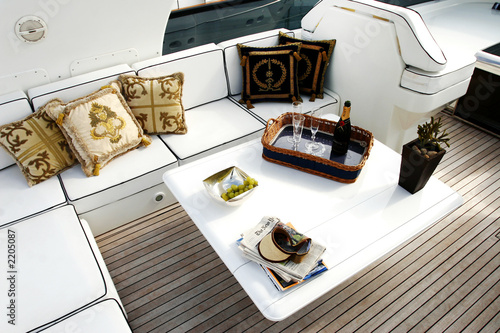 yacht02