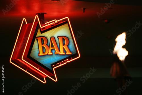 Photo  arrow shaped bar sign