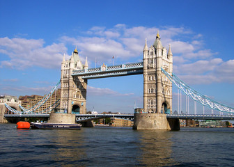 Fototapeta na wymiar tower bridge in london
