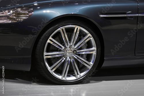 Photo  aston martin wheel