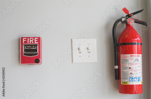 Photo  fire alarm pull box and extinguisher