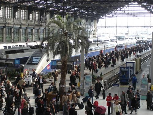 Foto auf AluDibond Bahnhof gare de lyon