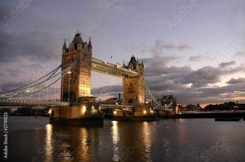 Foto-Flächenvorhang - tower bridge of london de nuit (von Zian)