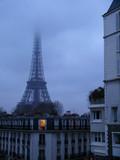 Fototapeta Wieża Eiffla - tour eiffel nuageuse.