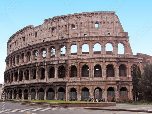Coliseo Romano Kaufen Sie Dieses Foto Und Finden Sie ähnliche