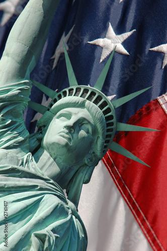 statua-wolnosci-oraz-gwiazdy-i-paski