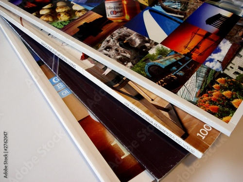 Valokuva magazines fanned