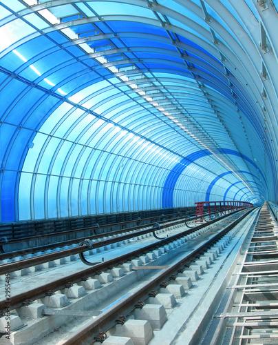 Montage in der Fensternische Tunel blue metro - tube tunnel